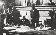Ο Βενιζέλος υπογράφει τη Συνθήκη της Λωζάννης