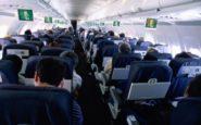 """Τι πρέπει να γνωρίζουν όσοι ταξιδεύουν με αεροπλάνο – Ο """"δεκάλογος"""" της Κομισιόν"""