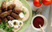 ΠΟΛΙΤΙΚΗ ΚΟΥΖΙΝΑ: Ανατολίτικοι κεφτέδες φούρνου…που θυμίζουν κεμπάπ