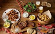 Αποκριάτικο φαγοπότι: Η γιορτή,… φαγητά και ποτά που θα το συνοδεύσουν.