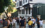 Κοσμοσυρροή Τούρκων στη Θεσσαλονίκη για το σπίτι του Κεμάλ