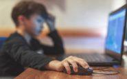 Μεγάλος «πονοκέφαλος» για τους γονείς ο εθισμός των παιδιών τους στο ίντερνετ
