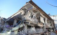 Φονικός σεισμός στην Τουρκία: Μάχη με τον χρόνο για επιζώντες