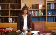 Αικατερίνη Σακελλαροπούλου: Νέα Πρόεδρος της Δημοκρατίας με 261 ψήφους – Τα πρώτα λόγια της