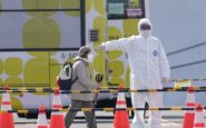 Covid-19: Από επιδημία, αρένα πολιτικής αντιπαράθεσης και προπαγάνδας
