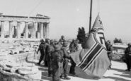 Σάντας – Γλέζος: Πώς κατέβασαν τη ναζιστική σημαία από την Ακρόπολη
