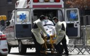Σπάνε τα αρνητικά ρεκόρ οι ΗΠΑ – Σχεδόν 2.000 νεκροί σε ένα 24ωρο από τον κορονοϊό