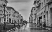 Θεσσαλονίκη: Ημέρες καραντίνας σε ασπρόμαυρα καρέ -Ατμοσφαιρική και έρημη