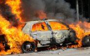 Φωτιά σε αυτοκίνητο εν κινήσει στο κέντρο της Θεσσαλονίκης