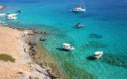 Δεν έχει τράπεζες, μόνο παραλίες-όνειρο: Το κυκλαδίτικο νησί στο οποίο σταμάτησε ο χρόνος