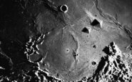 Βίντεο: Δέκα μυστηριώδεις και ανεξήγητες φωτογραφίες της Σελήνης