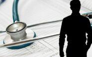 Νέα υπόθεση ψευτογιατρού στη Θεσσαλονίκη: Πώς ψάρευε καρκινοπαθείς στο ΑΧΕΠΑ