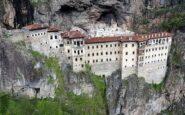 Βανδάλισαν τη Παναγία Σουμελά – Καταστροφές σε βυζαντινές τοιχογραφίες