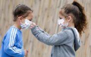 Κορωνοϊός: 44% λιγότερες πιθανότητες για τα παιδιά να κολλήσουν