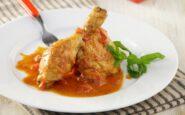 ΠΟΛΙΤΙΚΗ ΚΟΥΖΙΝΑ: Κοτόπουλο κοκκινιστό με κανέλα,μοσχοκάρυδο και μπαχάρι