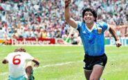 """Ντιέγκο Μαραντόνα: Οι μαγικές στιγμές του """"Θεού"""" του ποδοσφαίρου – ΒΙΝΤΕΟ"""