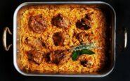 ΠΟΛΙΤΙΚΗ ΚΟΥΖΙΝΑ: Πολίτικο Γιουβέτσι με κριθαράκι στο φούρνο