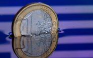 Barclays: «Μη βιώσιμο το ελληνικό χρέος»