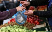 Καταργείται η απόσταση των 5 μέτρων μεταξύ των πάγκων στις λαϊκές αγορές